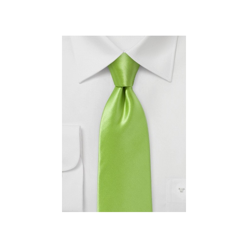 Bright Clover Green Necktie in Pure Italian Silk