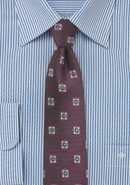 Medallion Skinny Tie in Wine Red