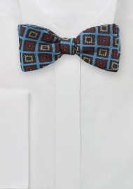 Trendy Medallion Bow Tie in Blue