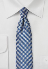Modern Houndstooth Checks in Bllue