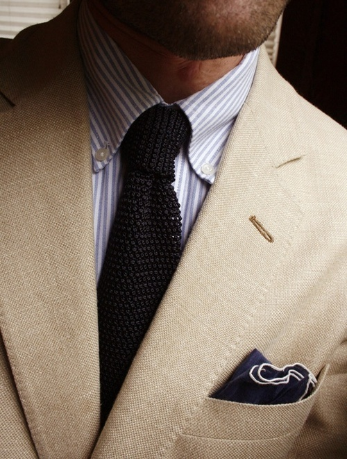 linen-suit-knitted-necktie