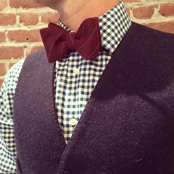 Men's Wool Bow Tie in Burgundy