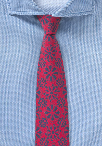 Red Tie with Geometric Lace Print in Navy