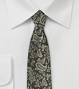Autumn Paisley Tie in Dark Ivy Green
