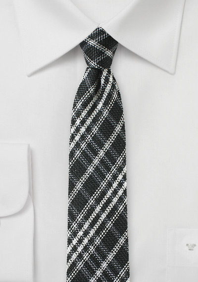 Skinny Plaid Tie in Black and Silver