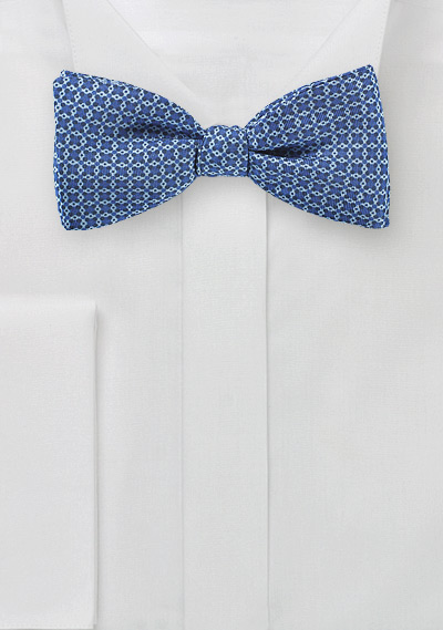 Graphic Print Bow Tie in Blue Ink