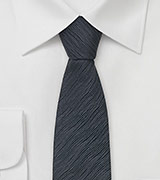 Skinny Necktie in Charcoal Gray