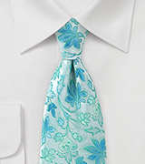 Rare Vintage Patterned Tie in Light Mint